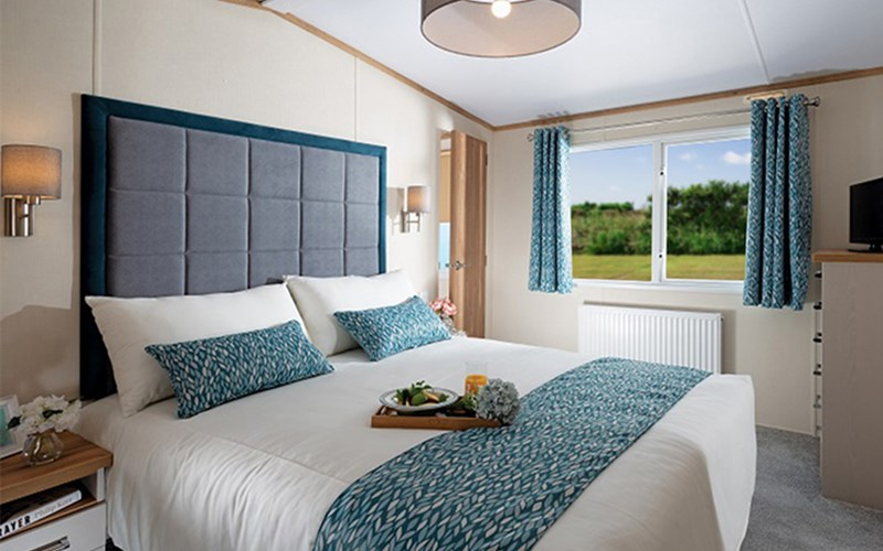 Premium Caravan Double Bedroom Bude Resort