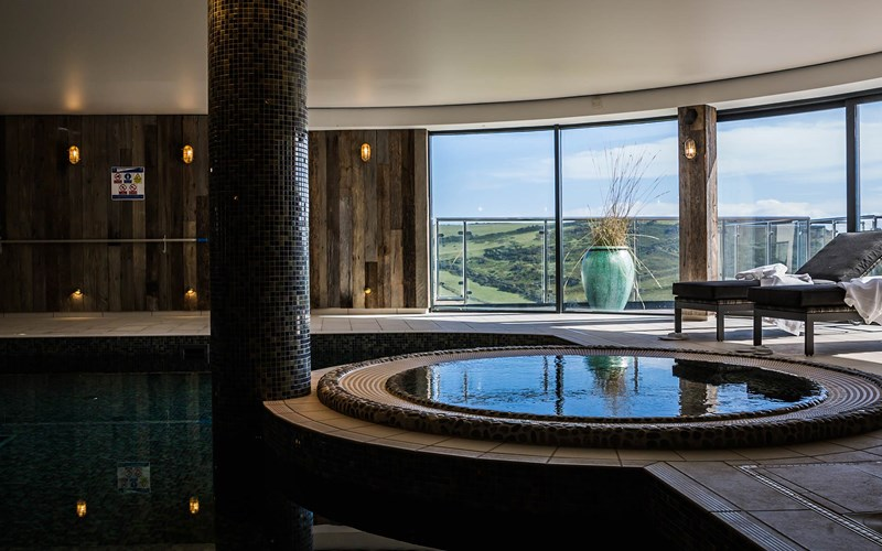 Gara Rock Spa Pool Jacuzzi