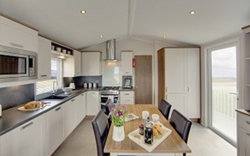 Caravan Kitchen and Dining Bude Resort