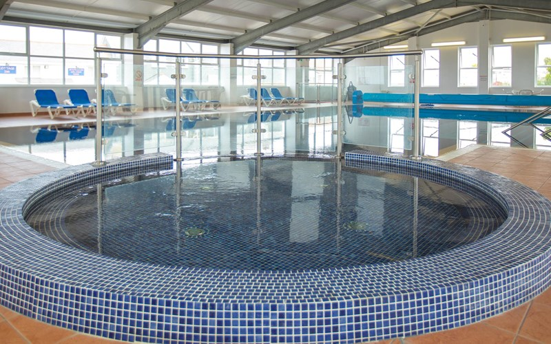 Newperran swimming pool jacuzzi